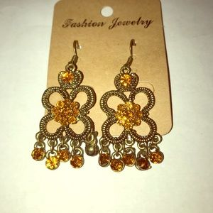 Jewelry - Vintage earrings